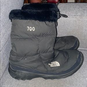 The North Face 700 gram snow boots black 10 616273